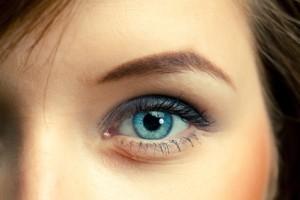 Endlich ohne Kontaktlinsen und Brille sehen - Durch Augen lasern